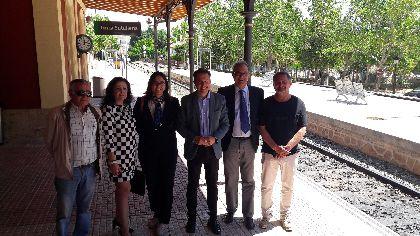 El Alcalde apuesta por avanzar en la recuperación de la línea de ferrocarril con Granada para completar la corrección del grave error que supuso su clausura en 1984