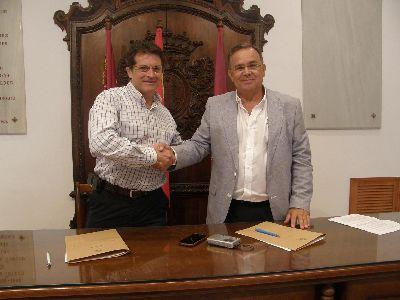 Ayuntamiento y Estrella de Levante firman un convenio de patrocinio por el importe de 24.000 ? para financiar eventos culturales en Lorca