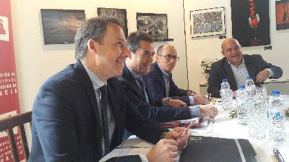 El Alcalde solicita el apoyo de la FMRM a favor de la declaración del Bordado Lorquino de Semana Santa como Patrimonio de la Humanidad por parte de la UNESCO