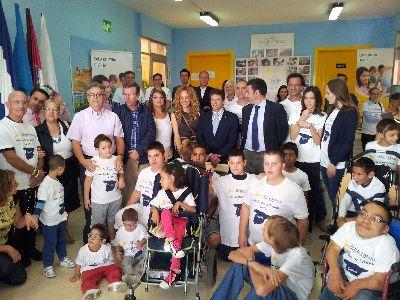 El Alcalde agradece a la Fundación Lyoness la donación realizada para mejorar el colegio Pilar Soubrier que beneficiará a los 140 alumnos del centro