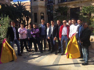 El Club Taurino de Lorca comienza una nueva andadura con un programa que incluirá tertulias, viajes, exposiciones y actividades de apoyo a la fiesta nacional