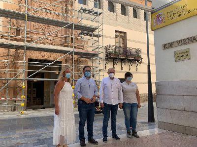 Los trabajos de restauración de la fachada del Palacio de Guevara entran en su recta final con la retirada del andamio