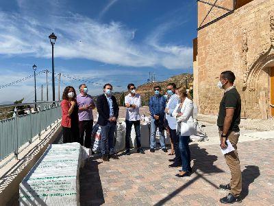 El alcalde visita los trabajos de recuperación del entorno de la Iglesia de San Pedro que están ya en su recta final