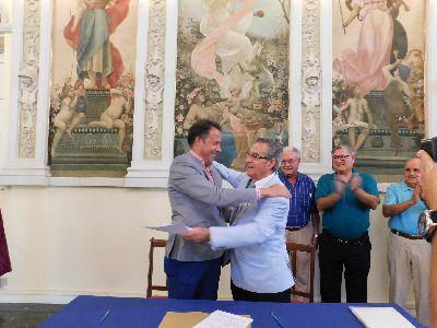 Lorquinos y visitantes podrán disfrutar del Casino Artístico y Literario gracias a la firma de un convenio entre el Ayuntamiento y la Sociedad Casino de Lorca