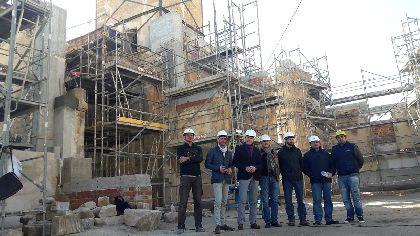 Las obras de recuperación de la iglesia de San Pedro logran rescatar la bóveda original de acceso y volver a levantar su pilar principal de piedra