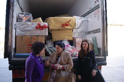El grupo Intereconomía aporta a los Reyes Magos 5.000 regalos para que los repartan entre los menores de Lorca