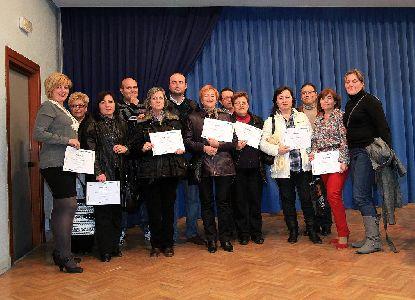 184 personas reciben sus diplomas de 15 cursos de informática y Word realizados en 6 barrios y 9 pedanías