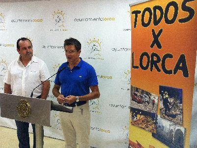 El Alcalde recibe una ayuda solidaria de 6.033 por parte de los promotores de la gira ''Todos X Lorca''