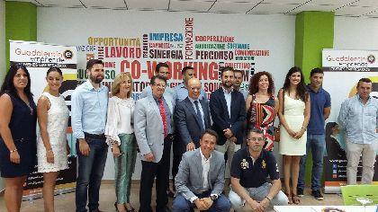 Carrillo informa a los jóvenes empresarios lorquinos de los créditos para inversiones avalados por el gobierno
