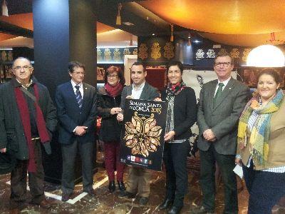 El Centro Cultural acoge la exposición de los 17 carteles presentados al Concurso para escoger la imagen promocional de la Semana Santa 2015