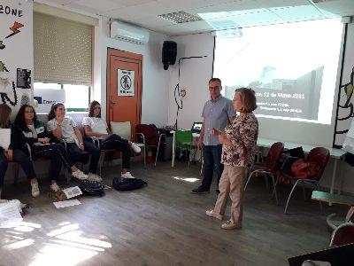 Un grupo de estudiantes murcianos visita Lorca para conocer los efectos de los terremotos de 2011 y los avances logrados en el proceso de reconstrucción de la ciudad