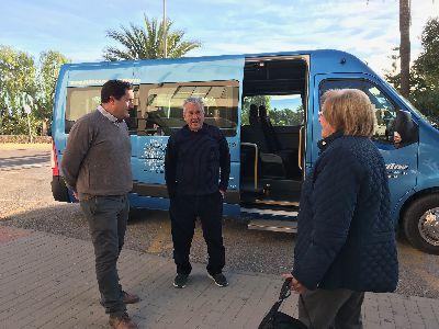 El Ayuntamiento pone en marcha la nueva línea gratuita de autobús entre el parking del Artés Carrasco y el Hospital Rafael Méndez