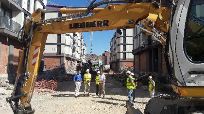 El buen ritmo de las obras de urbanización del barrio de San Fernando permite instalar 615 metros de saneamiento, 555 de pluviales y la demolición de 18.000 m2
