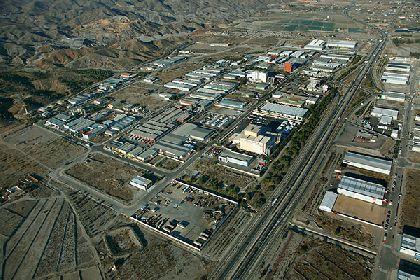 El Ayuntamiento aprueba la agrupación de varias parcelas en Saprelorca para la ampliación de una empresa lorquina