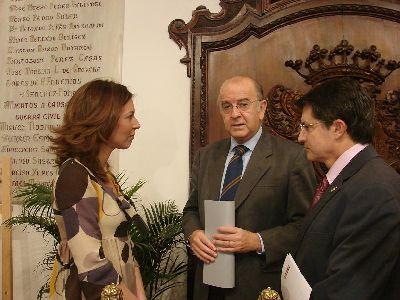 El Ayuntamiento de Lorca firma un convenio con la Fundación Cajamurcia, que destinará 234.000 euros para los mayores del municipio
