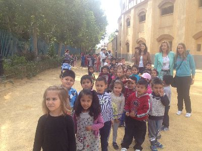 150 alumnos de infantil del colegio jos robles conocen las alamedas de la mano de los t cnicos - Los jardines de lorca ...