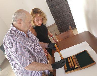 Regresa a Lorca la flauta travesera barroca encontrada en el Palacio de Guevara durante las obras de rehabilitación del inmueble causadas por los terremotos de 2011
