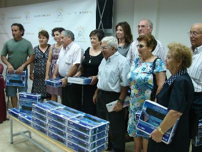 El Ayuntamiento de Lorca hace entrega de 25 sintonizadores para poder ver la TDT en los locales sociales, de mayores y mujeres de las pedanías altas