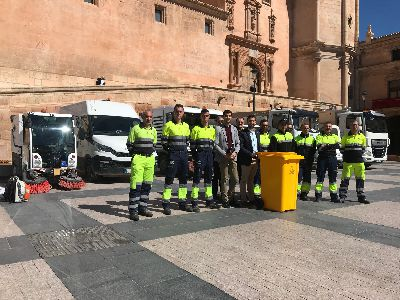 El dispositivo especial de limpieza para Semana Santa estrena nuevos contenedores de reciclaje para áreas de concentración y contará con un equipo de 13 vehículos y 85 operarios
