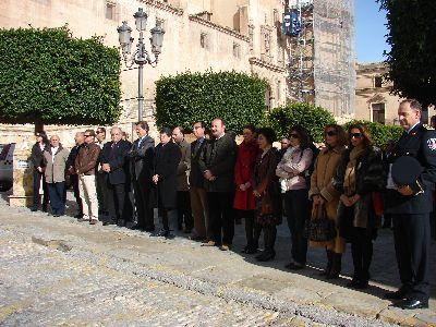 Los ciudadanos de Lorca y la Corporacion Municipal, condena el atentado de ETA