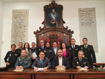 El alcalde de Lorca firma la adhesión municipal al Protocolo VioGen para la protección integral de las víctimas de violencia doméstica y de género