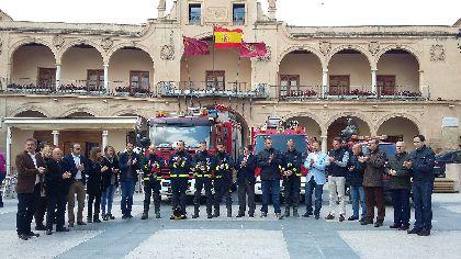 El Alcalde destaca la extraordinaria labor desarrollada por los bomberos en nuestra ciudad en el terremoto de 2011, las inundaciones de 2012 y el incendio del pasado verano
