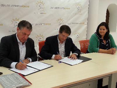 Ayuntamiento y Huertas Automoción firman un convenio de patrocinio para financiar diversos eventos de la feria