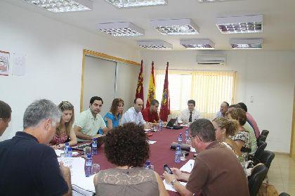 El Ayuntamiento destina medio millón de euros a un nuevo programa para el fomento del empleo del que se podrán beneficiar un total de 120 jóvenes lorquinos