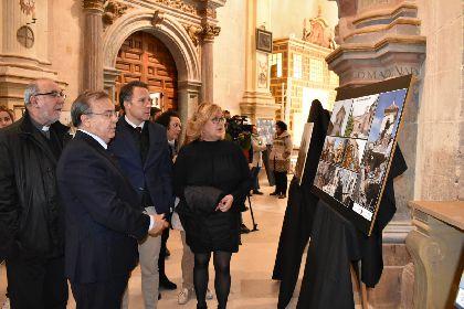 El Alcalde y el Consejero de Fomento inauguran la exposición ''Lorca, ayer y  hoy'' de la fotógrafa lorquina María José Ruiz