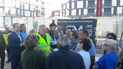 El avance en las obras de urbanización del barrio de San Fernando permitirá a los vecinos acceder a sus pisos en pocos días para iniciar su equipamiento
