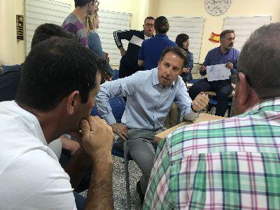 El Alcalde se reúne con los vecinos de Almendricos para informarles de una nueva inversión de 120.000 € para dotar de suministro eléctrico definitivo a más de 50 familias