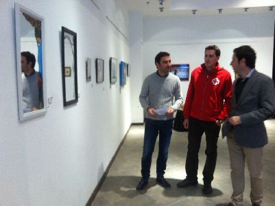 31 jóvenes artistas ponen a la venta 40 obras a cambio de comida para familias necesitadas dentro de una iniciativa de la Concejalía de Juventud de Lorca a favor de Cruz Roja