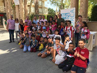 Alzheimer Lorca y el colegio San Cristóbal conmemoran el Día Mundial del Alzheimer con una campaña informativa para concienciar a los lorquinos sobre la enfermedad