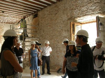 Las obras de restauración del Palacio de Guevara descubren nuevos datos sobre la construcción del edificio y sacan a la luz los daños provocados por el terremoto de 1674