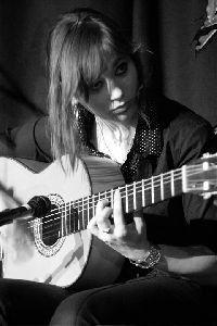 La guitarrista lorquina Mercedes Luján participa en el ciclo ?Los conciertos de Palacio? del XIII Festival de Jerez
