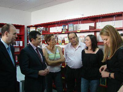 El Ayuntamiento pone en marcha una nueva biblioteca en Zarcilla de Ramos que cuenta con un fondo documental superior al millar de ejemplares
