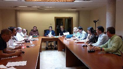 La Comisión Especial para la Conciliación de Granjas de Porcino y Viviendas en la Huerta inicia su actividad recogiendo las propuestas de los grupos políticos municipales
