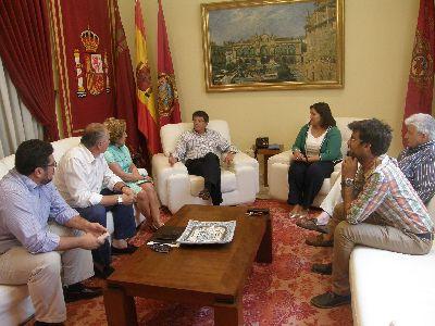 El Alcalde de Lorca recibe a los representantes de la nueva Junta Directiva del Paso Blanco