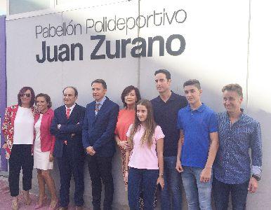 El ciclista lorquino Juan Zurano le da nombre al pabellón polideportivo usado por más de 20.000 alumnos lorquinos para la práctica de la actividad física