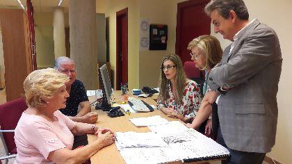 La Oficina de Atención a los Afectados por los seísmos completa las visitas previstas para justificar las ayudas y emprende de oficio una nueva serie que ronda el centenar