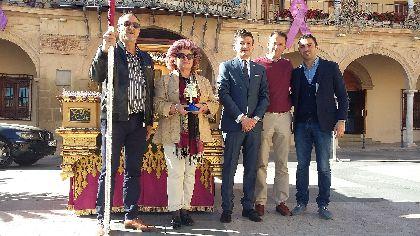 El trono del patrón de la ciudad, San Clemente, estrenará en su procesión del próximo sábado una nueva crestería de bronce bañada en plata