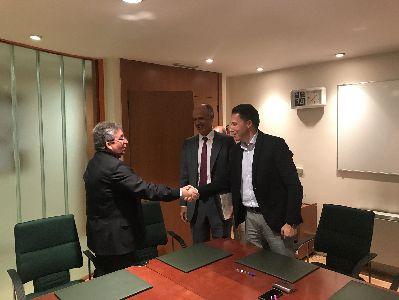 El Alcalde, Fulgencio Gil, firma con el Ministerio del Interior la recuperación para Lorca del edificio de la antigua comisaría del Cuerpo Nacional de Policía