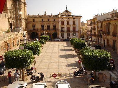 Los balcones centrales de San Patricio y del Ayuntamiento serán escenario el viernes del acto de ministriles y clarineros