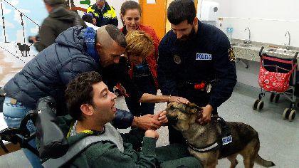 La Unidad Canina de la Policía Local de Lorca llevará a cabo terapias con perros en centros educativos y asociaciones de discapacitados dentro de un plan de desarrollo psico-social