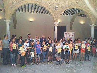 El Alcalde entrega los diplomas a los escolares ganadores del concurso ''Mis ideas para la protección del Patrimonio de Lorca'', en el que han participado 2.310 alumnos