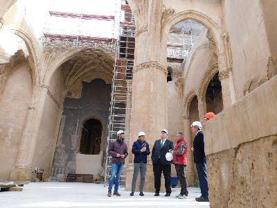Fulgencio Gil y Francisco Bernabé visitan las obras de recuperación de la iglesia de Santa María en las que el Gobierno de España ha invertido más de 1.080.000 euros