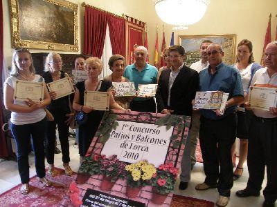 El Alcalde de la ciudad entrega los premios del ?Concurso de Patios y Balcones de Lorca?