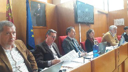 El pleno del Ayuntamiento aprueba con el apoyo de todos los grupos municipales la obtención del terreno que permitirá habilitar una zona verde con parque infantil en San Cristóbal