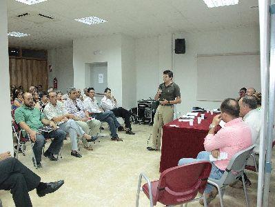El Ayuntamiento se reúne con los colectivos vecinales de San Cristóbal, San Diego, Apolonia, Los Ángeles y Fuerzas Armadas para exponer las obras que se van a realizar en la zona