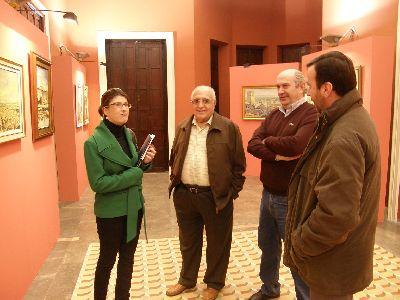 Rosa Medina presenta una exposición de Francisco Salinas en el Huerto Ruano